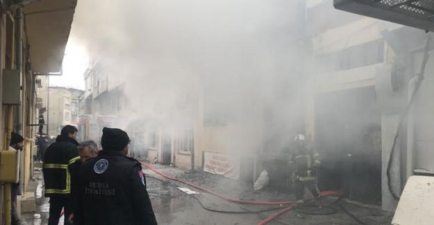 Bursa'da Kağıt Deposunda Yangın!