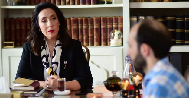 Celil Nalçakan Kırmızı Oda Dizisindeki Performansı ile Sosyal Medyada Damga Vurdu