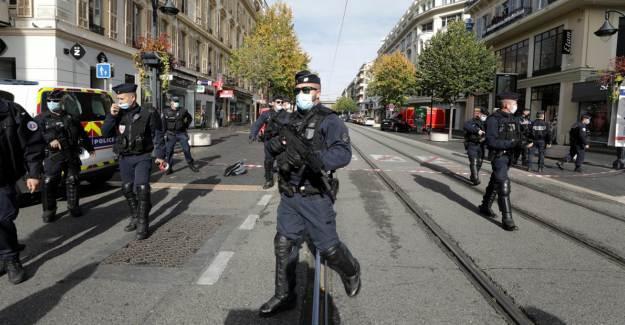Fransa'nın Avingon Kentinde Müslüman Olduğu Söylenen Saldırgan Nazi Çıktı