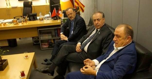Galatasaray'daki Zirvede Ne Konuşuldu?