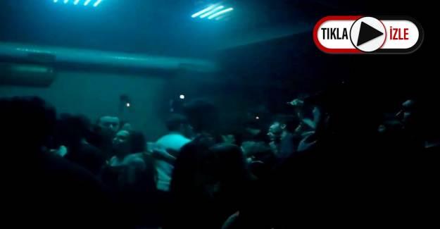 Gece Kulübünde Koronavirüs Partisi