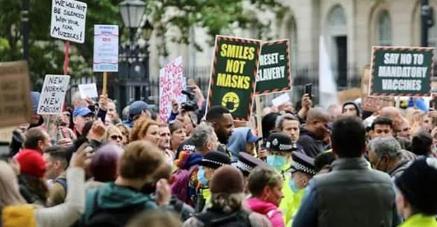 İngiltere'de Vaka Sayısı Artıyor