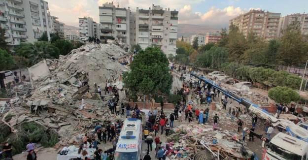 İzmir'de Uzun Gece! 277 Artçı Deprem Meydana Geldi