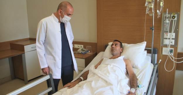 Karın Ağrısı Şikâyetiyle Hastaneye Gitti Kanser Olduğunu Öğrendi