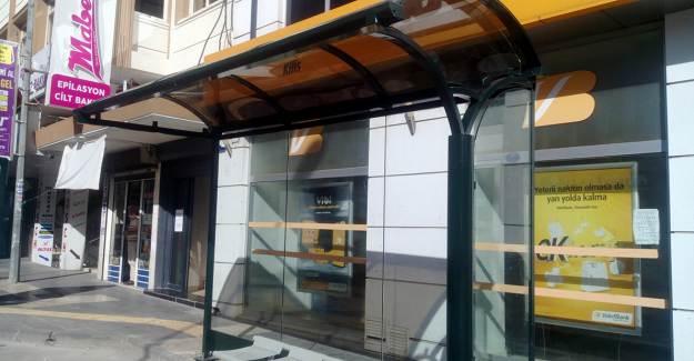 Kilis'te Otobüsün Ne Zaman Geleceğini Gösteren Akıllı Duraklar Yapılıyor