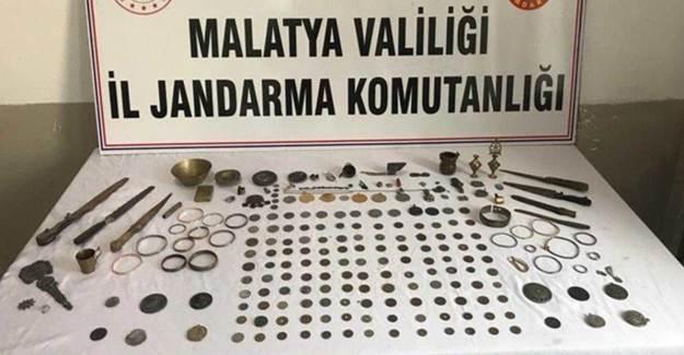 Malatya'da Özel Ekip 214 Tarihi Eser Ele Geçirdi