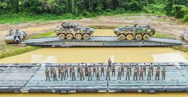 Malezya Ordusu, FNSS İle Geliştirdikleri AV-8 8x8 KBRN İle Tatbikat Yaptı
