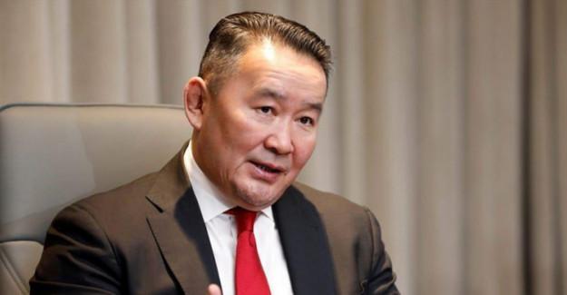 Moğolistan Başbakanı Ukhnaagiin Khurelsukh İstifa Etti
