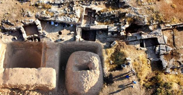 Perre Antik Kent'teki Kazılarda Üzüm İşliği Keşfedildi
