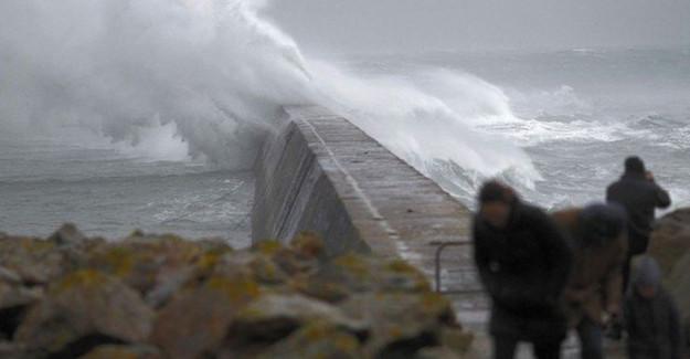 Trabzon' da Balıkçı Tekneleri Denize Açılamadı