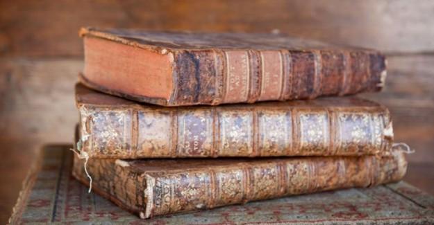 107 Yıllık 4 Bilim Kitabı Ele Geçirildi