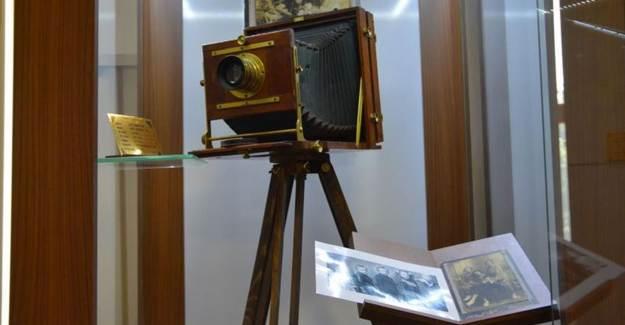 120 Yıllık Ahşap Fotoğraf Makinesi Fotoğraf Makinesi Müzesi'nde