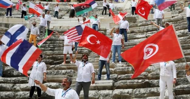 250 Turist Rehberinden Antalya Aspendos Antik Tiyatrosu'nda Çağrı