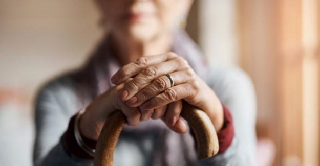 '65 Yaş Üstü Kişilere Evde Sosyalleşme İmkanı Sağlanmalı'