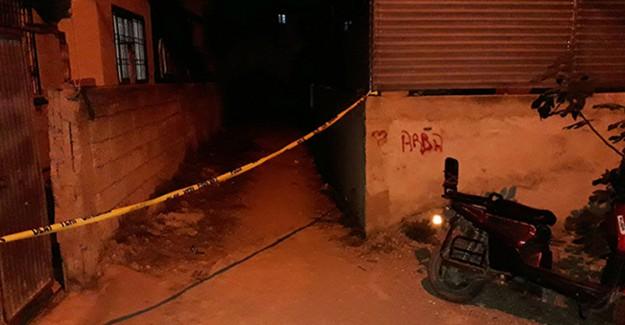 Adana'da 19 Yaşındaki Genç Kadın Bıçaklanarak Öldürüldü