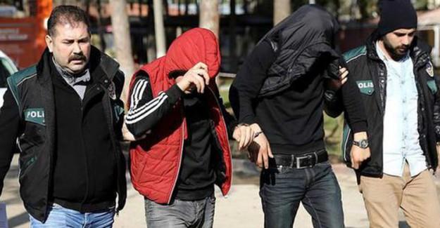 Adana'da Kendini MİT'çi Ve Komutan Olarak Tanıtan Dolandırıcılar Tutuklandı