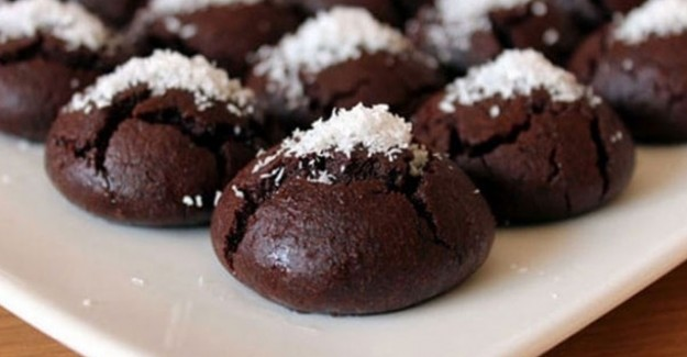Ağızda Dağılan Kakaolu Islak Kurabiye Tarifi