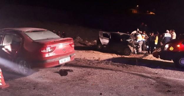 Ağrı'da İki Otomobil Çarpıştı! 4 Kişi Öldü