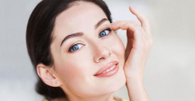 Akneli Ciltlerin Makyaj Yaparken Dikkat Etmesi Gerekenler