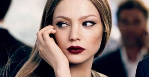 Akrep Burcu Kadınlar İçin Makyaj Önerisi