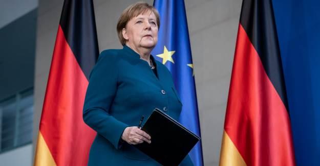 Almanya Başbakanı Merkel: Aşı Veya İlaç Henüz Yok, Hala Salgının Başındayız