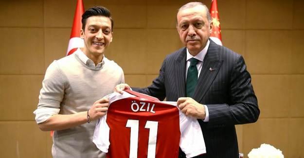 Almanya Futbol Federasyonu: '2018'de Mesut Özil'e Yapılanlar Yanlıştı'