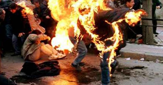 Almanya'da Biri Abdullah Öcalan İçin Kendini Ateşe Verdi