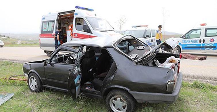 Ankara'da Devrilen Otomobilin Sürücüsü Hayatını Kaybetti