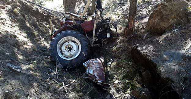 Ankara'da Traktör Uçuruma Devrildi: İki Ölü