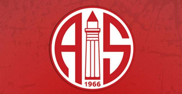 Antalyaspor'da İki İsimle Yollar Ayrıldı!