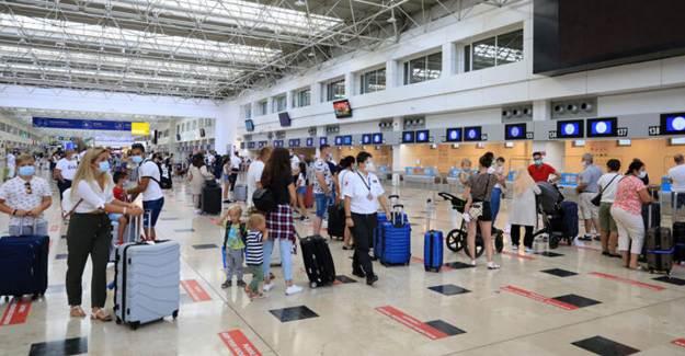Antalya'ya Bir Hafta İçinde 180 Bin Turist Geldi