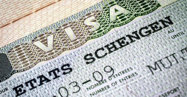 AP, Vize Ücretlerine Getirilen Zammı Onayladı