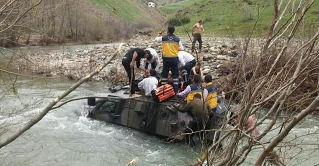 Askeri Araç Sele Kapıldı! 2 Askerimiz Kayıp