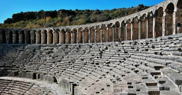 Aspendos Antik Kenti: Aspendos Antik Tiyatrosu Gezi