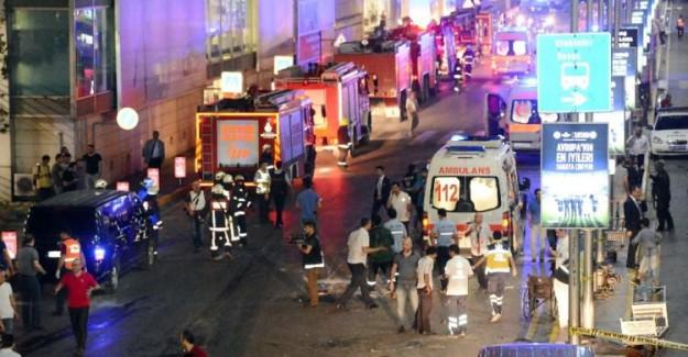 Atatürk Havalimanı'nda 3 Canlı Bomba Kendini Patlattı: 31 Ölü, 147 Yaralı!