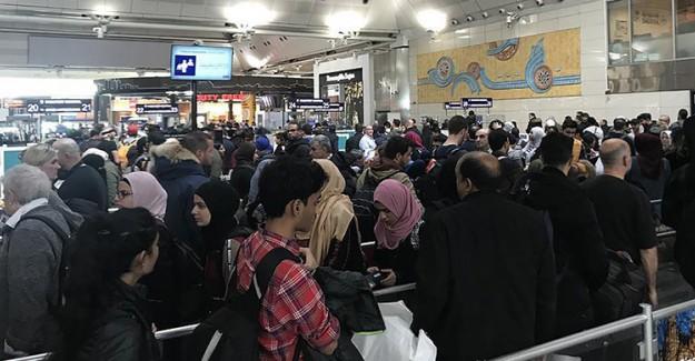 Atatürk Havalimanı'nda Yoğun Yılbaşı Trafiği