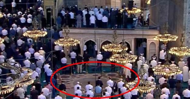 Ayasofya'da Meryem Ana'nın Göründüğüne İnanılan Alan Boş Bırakıldı