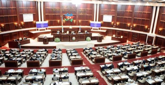Azerbaycan Meclisi Türk Silahlı Kuvvetlerini Göreve mi Çağırıyor?