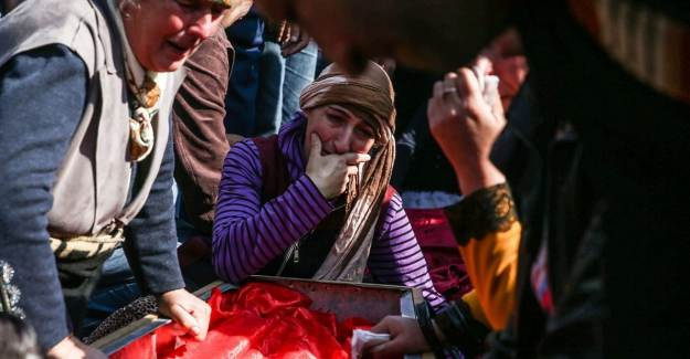 Azerbaycan'daki Sivil Kayıplar Toprağa Verildi