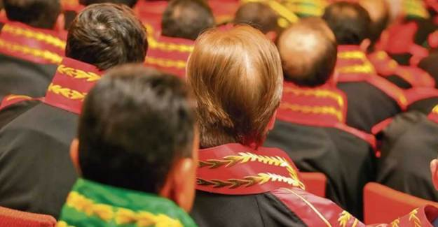 Bakan Gül'den Hakim ve Savcılar İçin Akademi ve Adliye Stajı Açıklaması