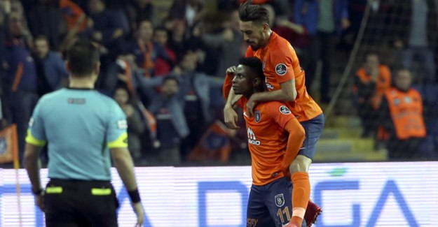 Başakşehir-Beşiktaş Maç Özeti! Zirve Yarışı İyiden İyiye Kızıştı
