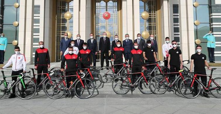 Başkan Erdoğan, Bisiklet Kafilesini Kabul Etti