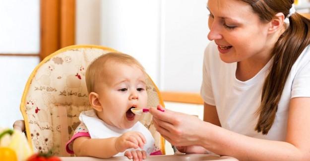 Bebeklerde Ek Gıdaya Ne Zaman Başlanmalı?