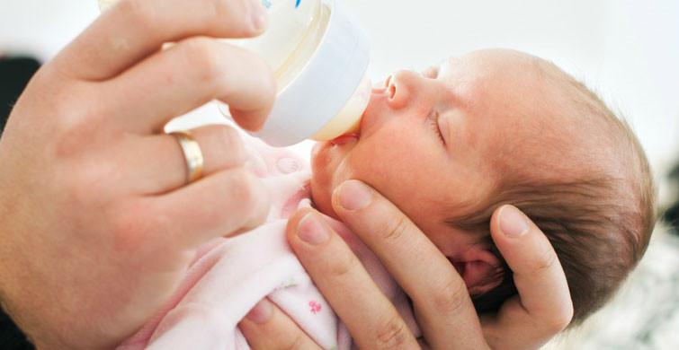 Bebeklerin Başı Nasıl Desteklenir?