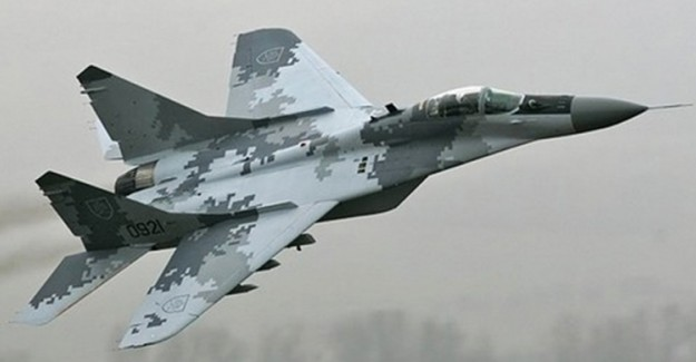 Belarus Özbek Hava Kuvvetleri Uçaklarını Elden Geçiriyor