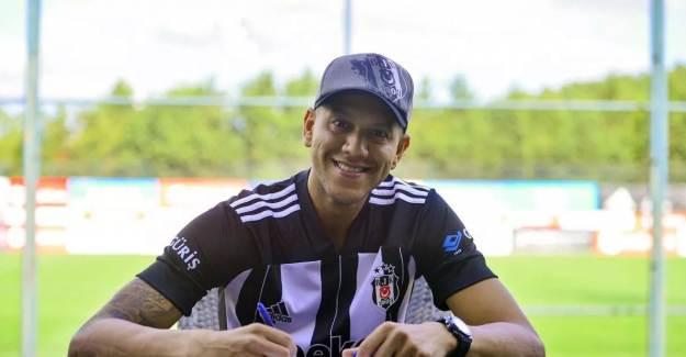 Beşiktaş Josef de Souza'nın Lisansını Çıkardı!