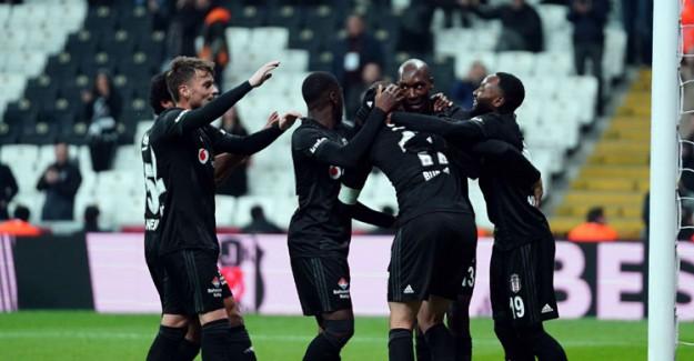 Beşiktaş'ta İki Yıldız Gözden Çıkartıldı