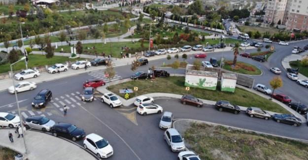 Beylikdüzü'nde Yüzlerce Vatandaş Deprem Korkusundan Parklarda Sabahlayacak