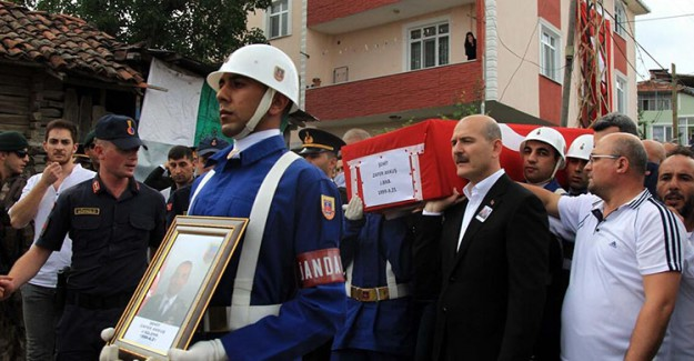 Bitlis'te Şehit Düşen Binbaşı Zafer Akkuş Son Yolculuğuna Uğurlandı