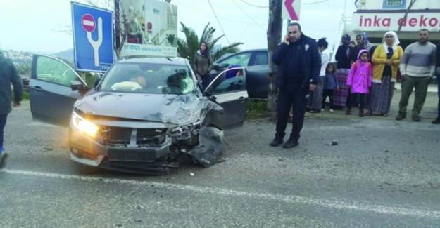 Bodrum'da Öğrenci Servisi İle Otomobil Çarpıştı; 13 Yaralı